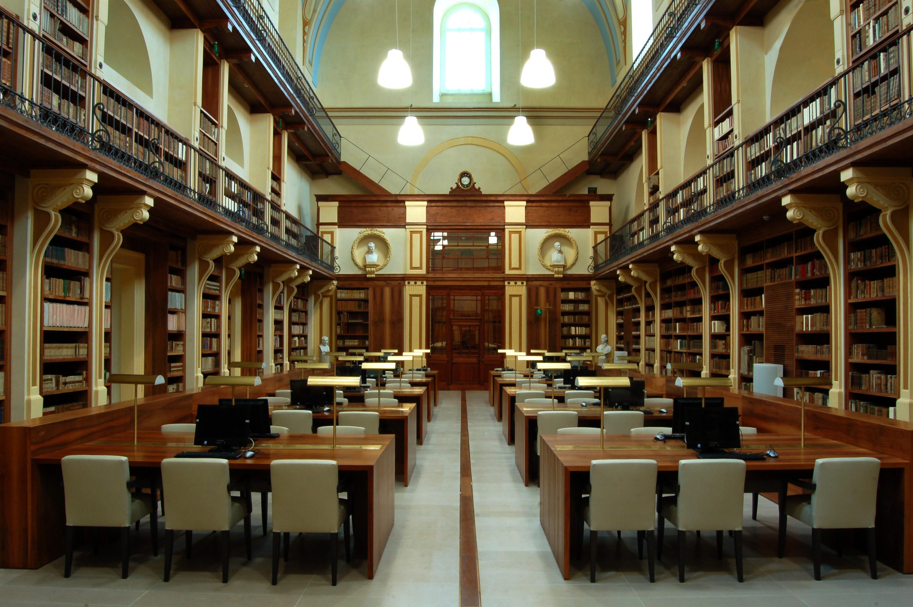 Sala lettura Biblioteca provinciale Lecce