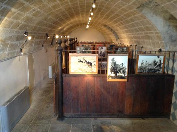 Allestimento della mostra in corso nel museo etnografico di Taranto ospitato a Palazzo Pantaleo