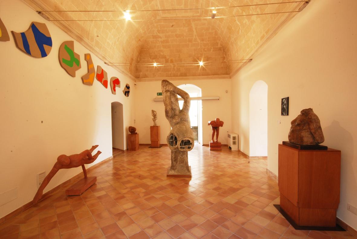 MUSMA, sala 3 del primo piano. Sul lato sinistro: opere di Carla Accardi