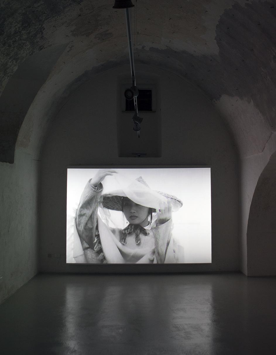 Particolare della video installazione di Yang Fudong a cura di Massimo Torrigiani Gagliano del Capo 2014