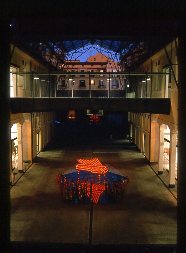 Veduta dell'installazione al MACRO di Roma nel 2001