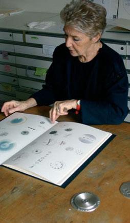 Alina Kalcinska nel suo studio di Milano