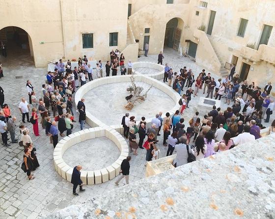 L'inaugurazione della mostra al castello di Gallipoli.