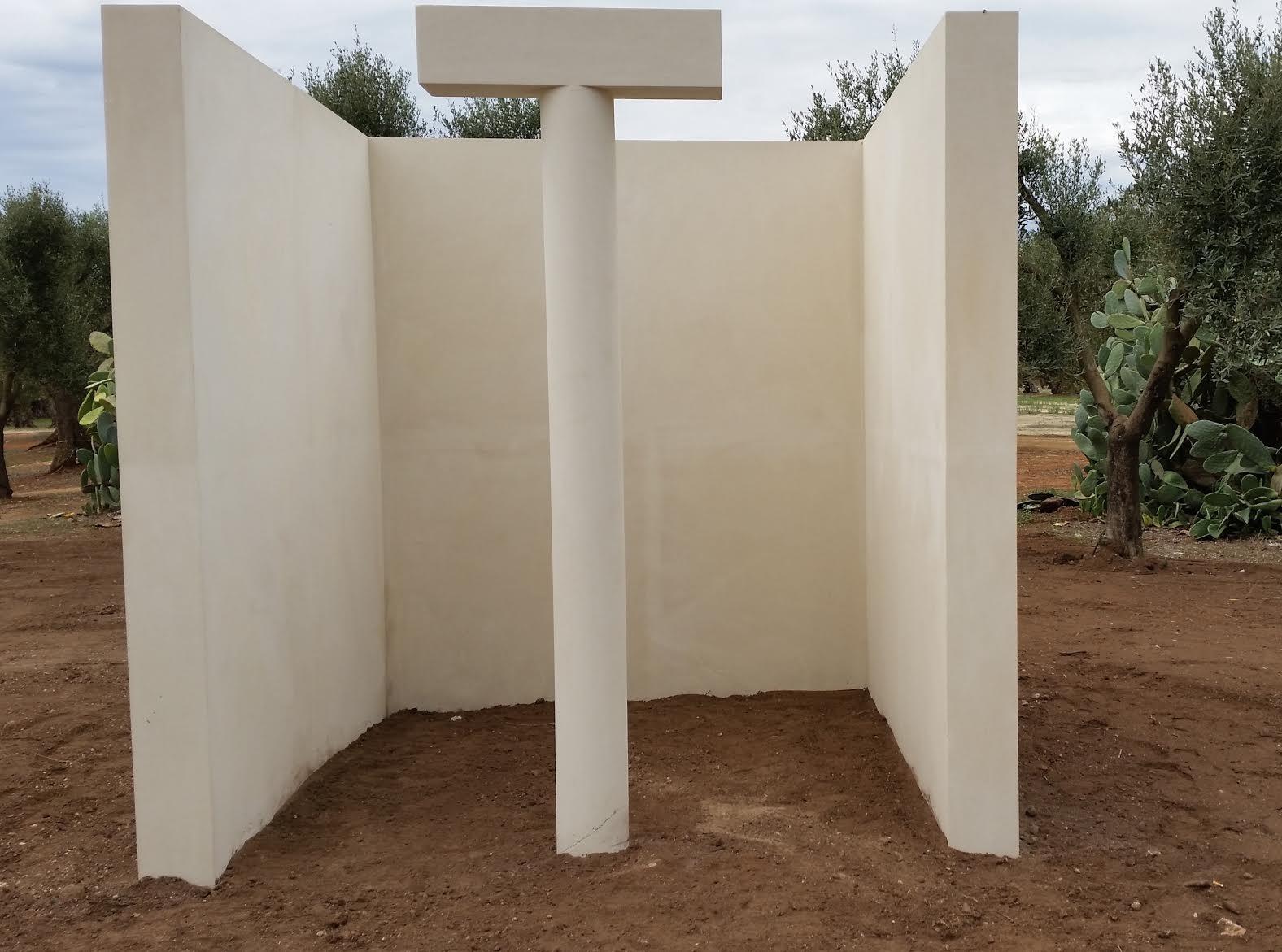Particolare della scultura di Siza a Palmariggi