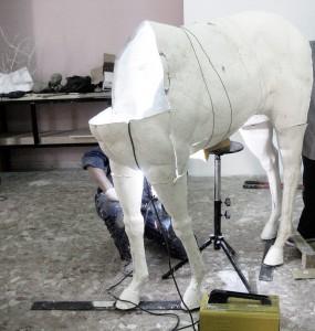 Fondazione Studio Carrieri Noesi, Red Horse, work in progress, 2016, corso di Scultura, Cristian Biasci