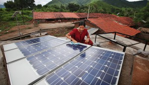 Solar-panels,-India-©UK-Aid-DfID