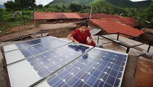 Solar-panels,-India-©UK-Aid-DfID