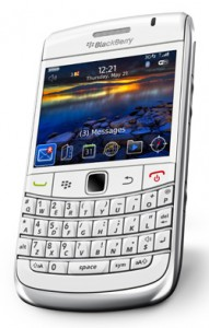 9700Bold_white_3G_ENGuk_Gen_BottomAngle