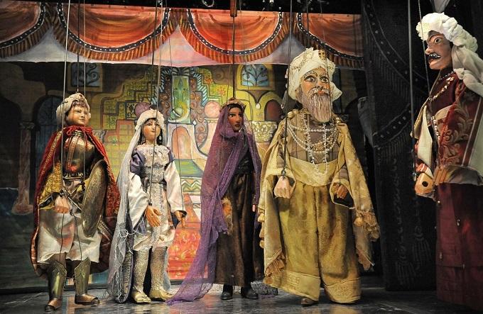 Aladino-dituttiicolori1
