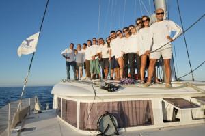 L'equipaggio a bordo del catamarano