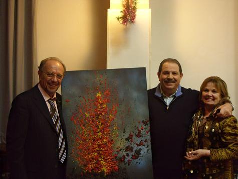 Leo e Adriana Nucci con il pittore Vittorio Ferrarini