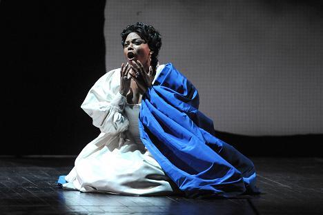 Kristin Lewis - Un ballo in maschera Teatro Regio Parma 2011
