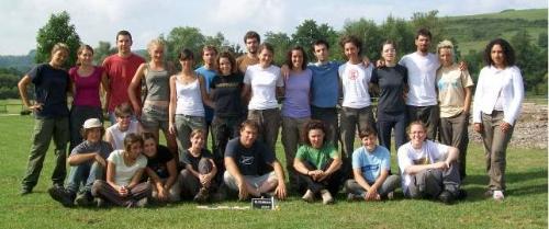 Fig.8: Foto ricordo del 1° turno dello scavo di Bliesbruck 2009 : italiani e francesi, un solo gruppo!