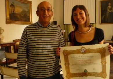La vincitrice del Premio Irene Sandei e il Prof. Nicola Criniti