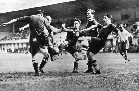 World Cup finals, 1934. Italy. Spain 3 v Brazil 1. 27th May, 1934. Three Spanish defenders combine to clear the ball from a Brazilian attack.