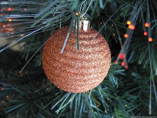 Fai da te le decorazioni per l 39 albero di natale brico for Decorazioni albero di natale fai da te