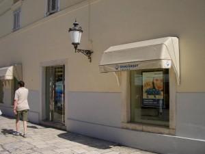 08.06.21 239 Spalato (Split); sede Hypo Bank all'interno del Palazzo di Diocleziano
