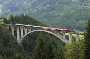 Tauernbahn 800_Pfaffenberg_Zwenberg_parallel_05_07_2009