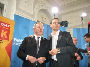 09.03.01 04 Klagenfurt, elezioni regionali; Gerhard Dörfler e Uwe Scheuch