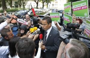 12.07.06 Uwe Scheuch dopo la condanna