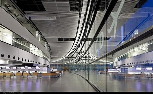 Aeroporto Vienna : Nuovo terminal all aeroporto di vienna austria vicina