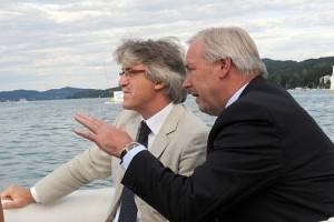 10.07.28 Klagenfurt, Renzo Tondo e Gerhard Dörfler in motoscafo su Wörthersee