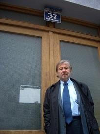 13.09.29 05 Vienna, Zirkusgasse 37; Fritz Rubin-Bittmann davanti alla casa natale