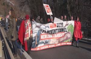 13.12.01 Kufstein, manifestazione contro tunnel Monte Croce Carnico