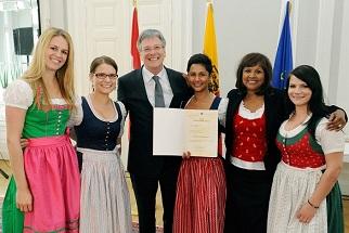Agli Grazie In Popolazione Crescita Immigrati Austria Vicina OZiuXwPkT