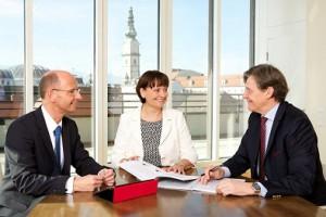 14.04.00 Direzione BKS Bank, Wolfgang Mandl, Herta Stockbauer, Dieter Krassnitzer - Copia