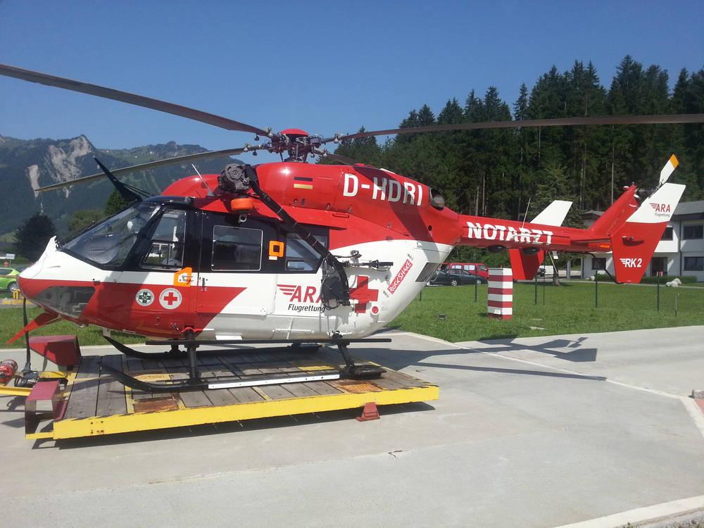 Elicottero Croce Rossa Italiana : Bambino in vacanza a pramollo muore schiacciato da un
