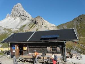 14.08.13 Filmoor-Standschuetzenhuette; in fondo monte Cavallino (Grosse Kanigat) - Copia