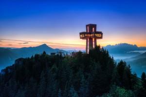 Jakobskreuz auf der Buchensteinwand im Pillerseetal