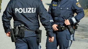 15.10.11 Polizei, polizia austriaca - Copia