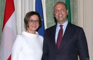16.04.08 Roma, Johanna Mikl-Leitner con Angelino Alfano