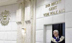 16.07.01 Vienna, Gerhart Holzinger, presidente Corte costituzionale