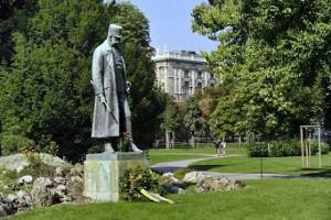 Kaiser Franz Joseph-Denkmal im Burggarten