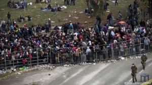 15.11.12 Spielfeld, migranti al confine