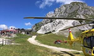 17.07.16 Passo Pramollo-Nassfeld, elicottero soccorso alla Garnitzenalm, i.f. Gartenkofel