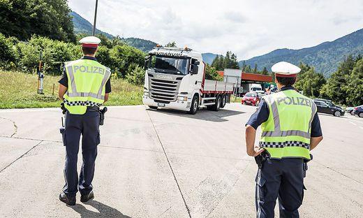 17.08.16 Thörl-Maglern, controlli di polizia su migranti clandestini