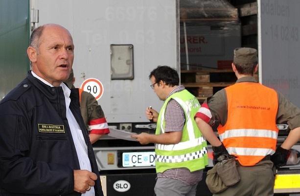 17.08.22 Thörl-Maglern, controlli di polizia; Wolfgang Sobotka - Copia