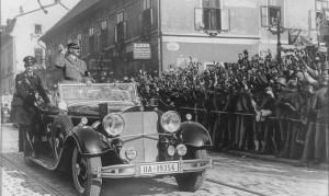 17.09.12 4 Hitler accolta a Graz da folla esultante 1938