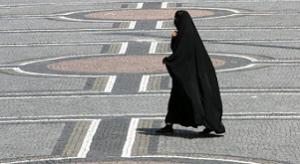 17.09.20 Donna velata (burka, niqab) - Copia