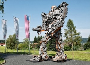 17.10.08, Graz, Transformers Art, robot di Danilo Baletic al Museo Schwarzenegger - Copia