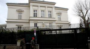 18.03.13 Vienna, Wenzgasse (Hietzing), residenza ambasciatore Iran - Copia