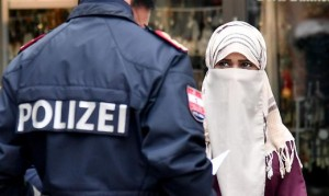 18.08.05 Burka o niqab, velo integrale