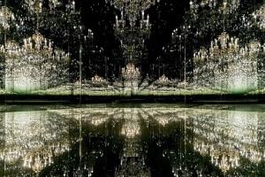 19.04.6 Camera_delle_meraviglie_Yayoi_Kusama__c__Swarovski_Kristallwelten - Copia