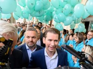 20.01.18 Sebastian Kurz in campagna elettorale - Copia
