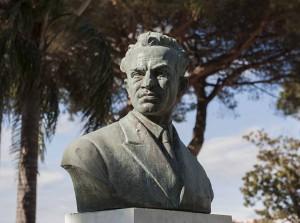 Il busto di Raffaele Viviani