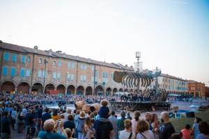 """La piazza e gli spettatori di """"Moby Dick"""""""